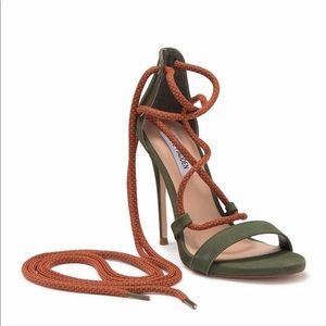 NIB Steve Madden Olive Twisty Sandal Shoe Stiletto